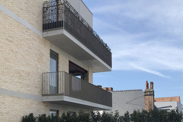 Appartement met stalen deuren