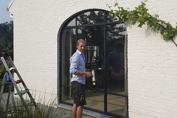 Reparatie glas stalen raam